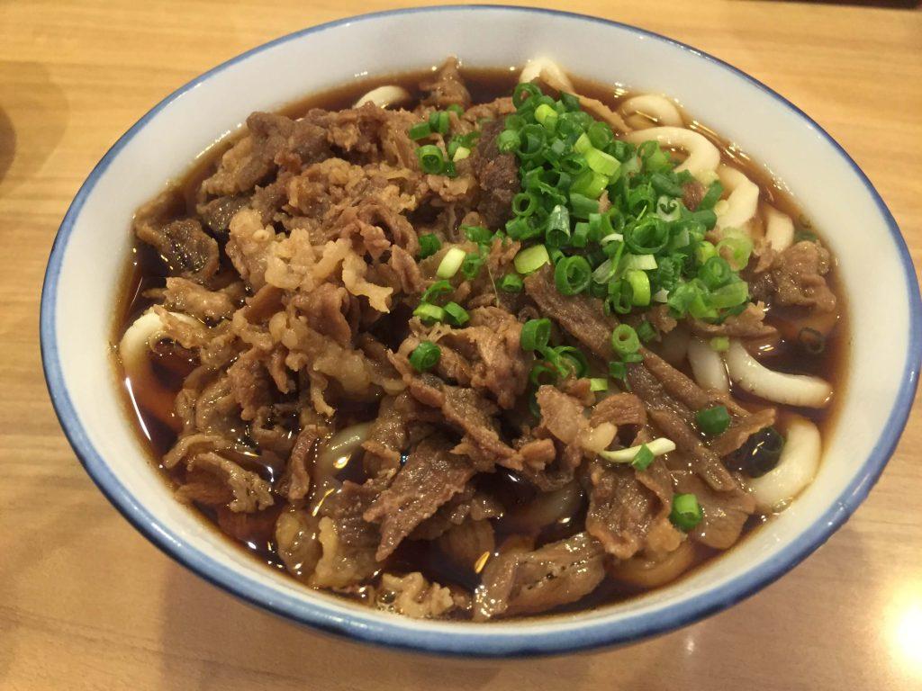 宮崎の大盛りうどんの肉うどん1