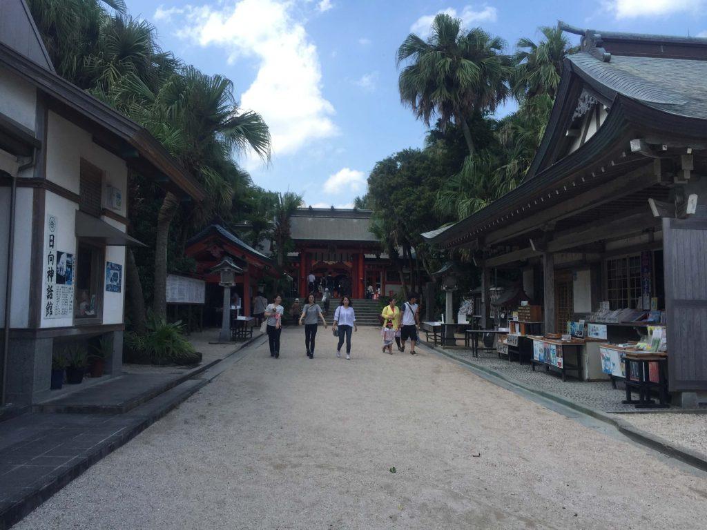 青島神社入り口2