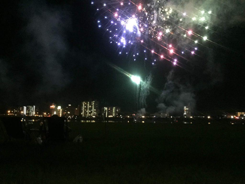宮崎納涼花火大会2016のプレミアムツインシート席からの眺め1