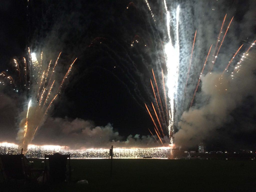 宮崎納涼花火大会2016のプレミアムツインシート席からの眺め3