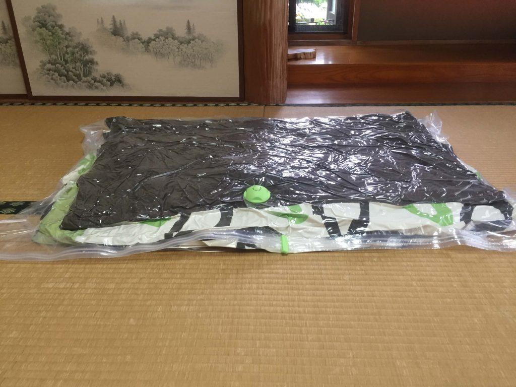 ダイソーの布団圧縮袋を実際に使ってみた3